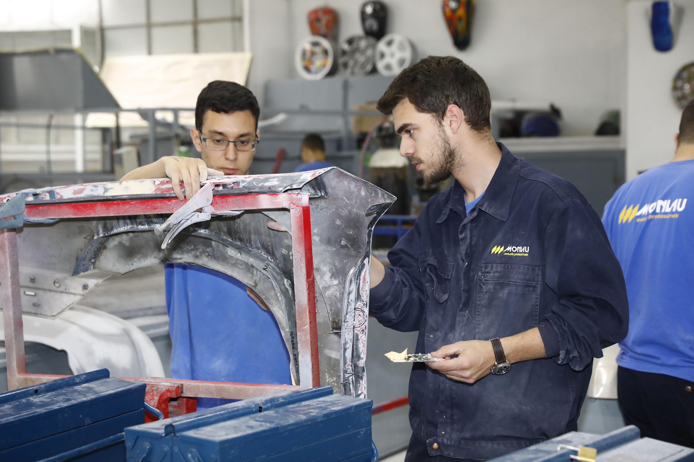 FP Dual en Automoció, la formació compartida amb l'empresa
