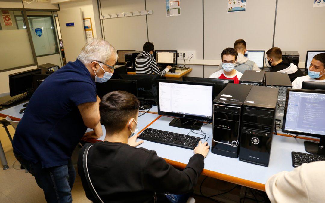 ¿Quieres estudiar la FP de informática pero no sabes dónde?